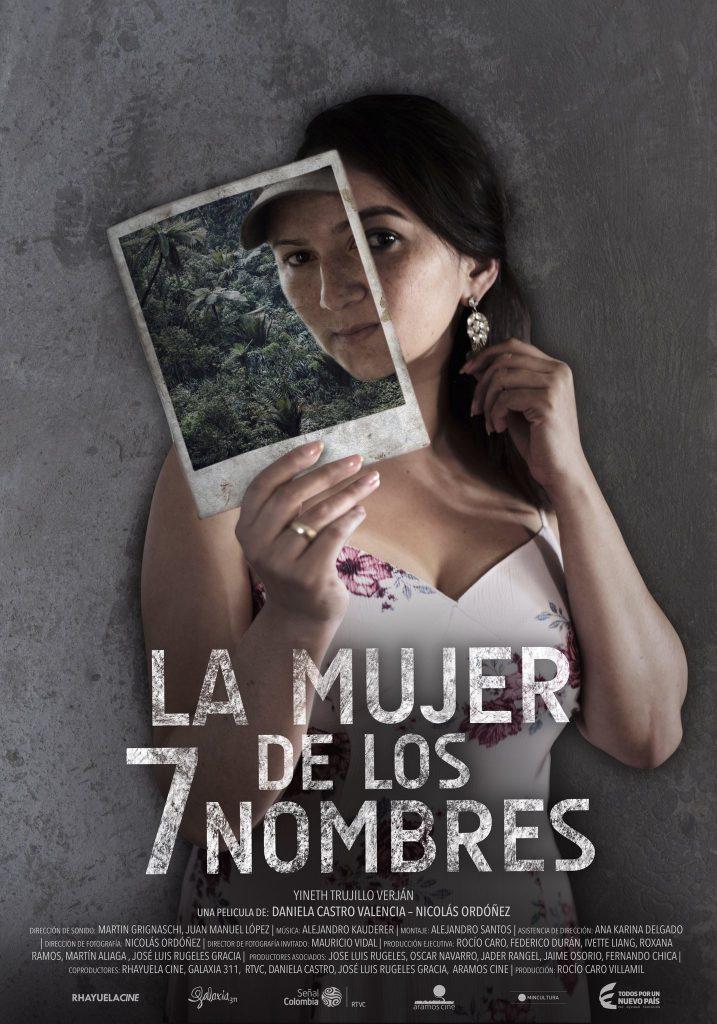 poster de la mujer de los 7 nombres